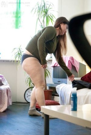 Fatty Kayla T pulls on underwear after modelling in the nude 35198596