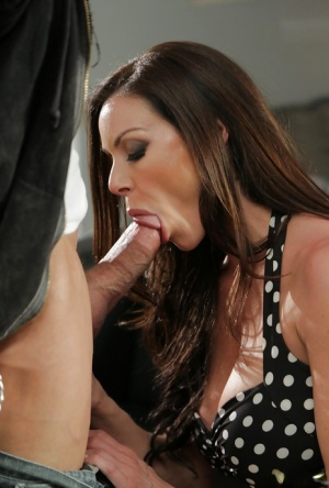 Chesty pornstar Kendra Lust giving and receiving oral sex favours 45269937