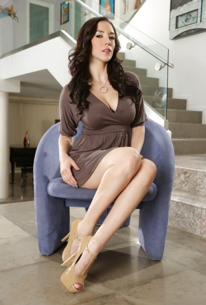 Brunette MILF Jelena Jensen revealing her lovely all natural breasts