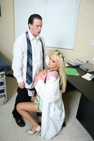 MILF babe in uniform Nikki Benz has a big cock satisfying her cunt