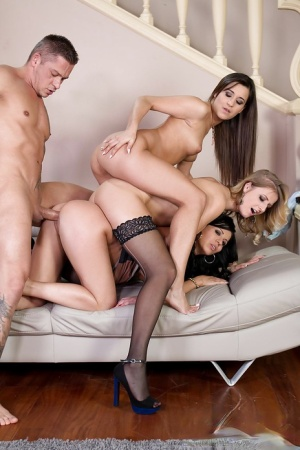 Euro chicks Aria Logan, Vicky Love and Cindy deliver reverse gangbang