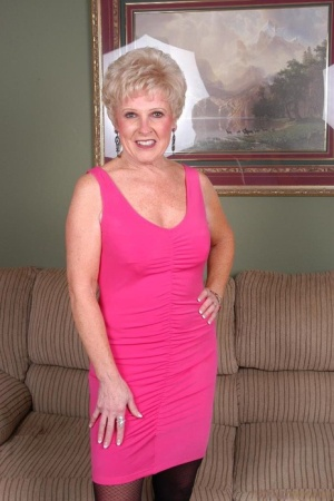 Grey haired granny Jewel stripping down to nylons for toying of horny pussy 39291208