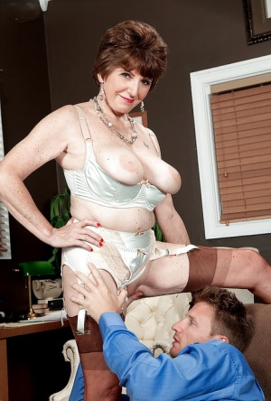 Big boobed granny Bea Cummins taking vaginal and anal sex in tan nylons 58305739