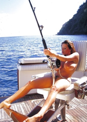 Hot chick Linsey Dawn McKenzie fishing on boat in the nude