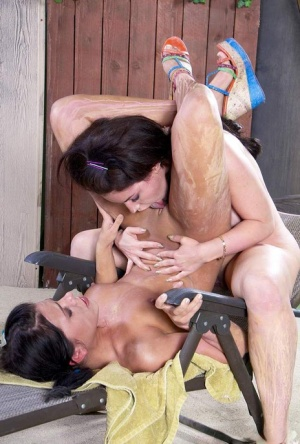 Brunette dykes Adriana Chechik & Belle Noire like their sex on the rough side 12031517