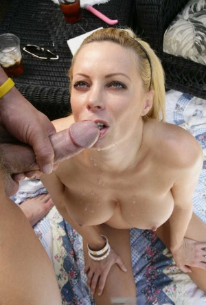 Crazy housewife Holly Sampso cheats her hubby with a hot dude rides him hard