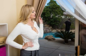 Astounding mom Julia Ann tempts a sexy young guy and fucks like a real slut 99088588