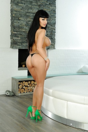 Pornstar big tits babe Aletta Ocean takes off panties and shows ass 80665966