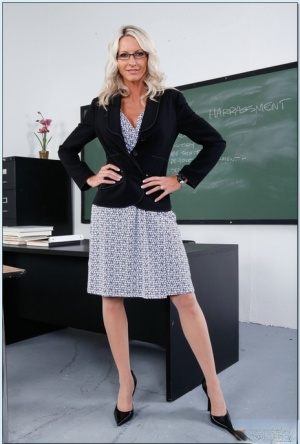 Emma Starr is busty milf teacher who's spreading legs and masturbating