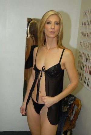 Milf reality butt fetish and hardcore shoot in lingerie shop