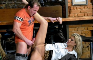 Lecherous lassies have a wet groupsex with well-hung guys