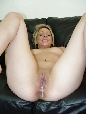 Kody Kay gives a blowjob and gets her shaved slit cocked up