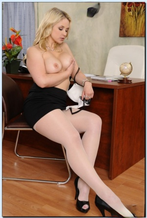 Curvy office babe Sarah Vandella stripping and exposing her love holes