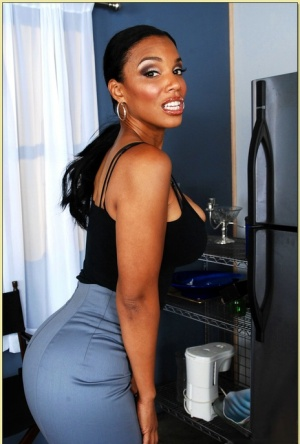 Ebony MILF Soleil strips from undies and shows exquisite butt