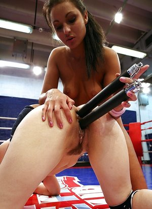 Sporty vixens have a rough catfight for lesbian domination 62926749
